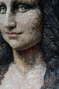 Mona Lisa Sculpture made of Buttons, on Display in Japan, pop art, collage art. Button Art, Button Crafts, Paul Gauguin, Mona Lisa Parody, Monalisa, Do It Yourself Inspiration, Wow Art, Mosaic Art, Mosaics