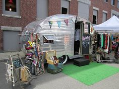 Life In The Thrifty Lane: Friday Night Finds: Craft Show Display Ideas  LOVE the trailer!!!