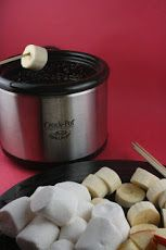 Chocolate Fondue in the crockpot little dipper is a fun and easy way to entertain company or just for a fun family night at home. Make lasting family memories with this easy chocolate dip! how to make chocolate fondue for melting in the crockpot Slow Cooker Recipes, Crockpot Recipes, Cooking Recipes, Crockpot Fondue, Chicken Recipes, Slow Cooking, Cooking Light, Fudge, Donuts