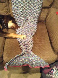 Crochet Mermaid Tail Lap Blanket - with crocodile stitch Crochet Mermaid Tail, Crocodile Stitch, Lap Blanket, Mermaid Blanket, Knitting, Crafts, Manualidades, Tricot, Breien