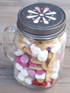 Valentines S'mores Mason Jars - You could make them for any holiday or as a little gift for someone. Very easy & cute!