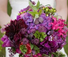 red-and-purple-wedding-bouquets-02