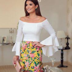 Look todo #newcollection @finnastore ♥️ Saia deusa de jacquard floral com blusa ombro a ombro! ♥️