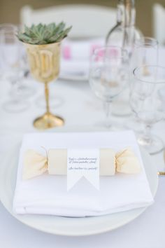 party popper place setting - photo by Anna Marks Photography http://ruffledblog.com/santa-barbara-destination-wedding-with-succulents
