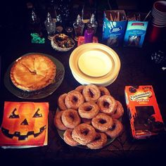 No Twin Peaks party would be complete without seasonal donuts, pie, and coffee. #twinpeaks #party #seasonal #donuts #pie #coffee #apple #pumpkin #pumpkinspice #davidlynch #everydayishalloween #halloween #halloweenaddict #halloweenallyear #halloweencountdown #halloweencrazy #halloweeniscoming #halloweeniseveryday #halloweenisnotaholidayitsalifestyle #halloweenlifestyle #halloween365 #ilovehalloween #jackolantern #october #pumpkin #samhain #trickortreat #delicious #delish #eating