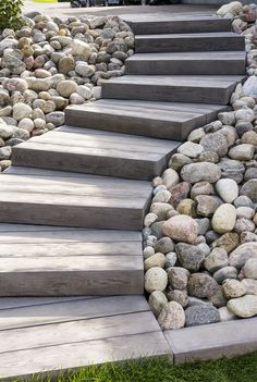 Love the look of wood planks for your deck or patio but don't want the maintenance? Our Borealis patio slabs look & feel like wood but are made of concrete paving slabs! Outdoor Steps, Outdoor Landscaping, Front Yard Landscaping, Backyard Patio, Flagstone Patio, Patio Table, Stone Landscaping, Wooded Backyard Landscape, Outdoor Patio Flooring Ideas