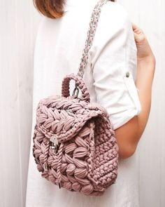 Watch The Video Splendid Crochet a Puff Flower Ideas. Phenomenal Crochet a Puff Flower Ideas. Crochet Puff Flower, Bag Crochet, Crochet Backpack, Crochet Clutch, Crochet Handbags, Crochet Purses, Crochet Crafts, Yarn Bag, Bag Pattern Free