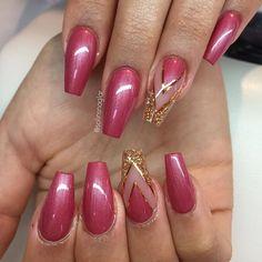 """""""Granny Pink"""" från #lillynails med egenblandat glitter och kopparstripes"""