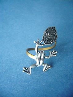 Want...Frog  ring with a leaf wrap style by stavri on Etsy, $19.00