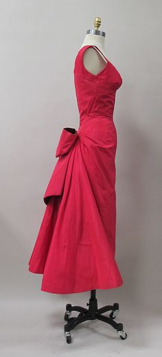 Cocktail dress Charles James (American, born Great Britain, 1906–1978) Manufacturer: (sample made for) Samuel Winston Date: 1952–53 silk