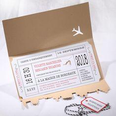 Faire-part Mariage - ref 49526 Collection Faire-part Mariage Duo 2016 www.fairepartselection.fr  Voyage, original, billet d'avion, globe trotter, kraft, beige, rouge, personnalise
