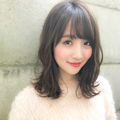 ダーク系のアッシュ×ゆるふわパーマで小顔に 阿部展大/THEATER表参道 Medium Straight Haircut, Medium Hair Cuts, Medium Hair Styles, Short Hair Styles, Fringe Hairstyles, Trendy Hairstyles, Wedding Hairstyles, Hair Arrange, Curl Styles
