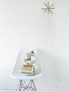 Modern Holiday // 31 Minimalist Christmas Décor Ideas | DigsDigs #adornefortheholidays