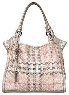 c39355138fc Burberry Totes - Up to 70% off at Tradesy