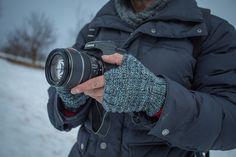 Man Hands Fingerless Gloves: learn how to knit fingerless gloves for the men in your life.