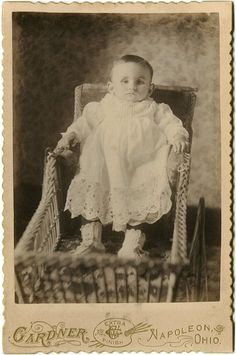 Post Mortem Photography: Baby in wicker carriage