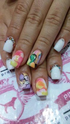 Uñas coloridas, mano alzada, acuarela y marmol con swarovski Swarovski, Colorful Nails, Colorful Nails, Nail Art, Watercolour, Hands