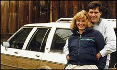 Mitt Romney, wife Anne, and the famous Seamus-Wagon.