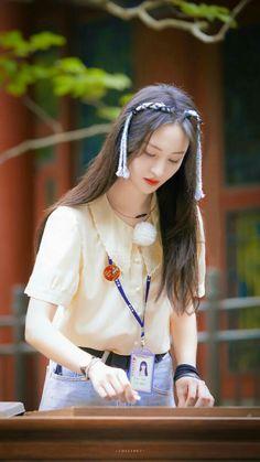 Yang Yang Zheng Shuang, Wei Wei, Chinese Actress, Cute Girls, Kdrama, Fans, Hairstyle, Asian, Actresses
