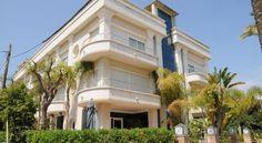Aparthotel Ceferino - 3 Star #Apartments - $112 - #Hotels #Spain #VilanovailaGeltrú http://www.justigo.com.au/hotels/spain/vilanova-i-la-geltru/aparthotel-ceferino_19622.html