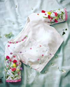 Hand Work Blouse Design, Simple Blouse Designs, Stylish Blouse Design, Fancy Blouse Designs, Bridal Blouse Designs, Blouse Neck Designs, Sari Bluse, Lehenga, Kids Fashion