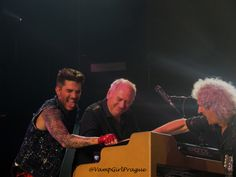 http://vampgirlprague.smugmug.com/Adam-Lambert/Queenbert-shows/Hamburg-522015-/Hamburg-522015-Best-pictures/i-PX2XJHT/0/X2/21.%20Crazy%20Little%20Thing%20Called%20Love%20%2851%29%20%281280x960%29-X2.jpg