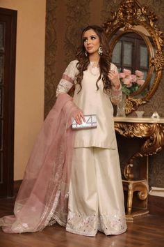 Beige Dresses, Formal Dresses, Desi Clothes, Lehenga Designs, Food Processor, Pakistani Dresses, Indian Wear, Party Wear, Off White