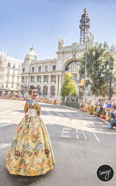 Silvia Parrizas, Fallera Mayor 2017 de la Falla Clero en la entrega de Premios