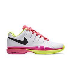 superior quality a7e05 92300 NikeCourt Zoom Vapor 9.5 Tour Women s Tennis Shoe