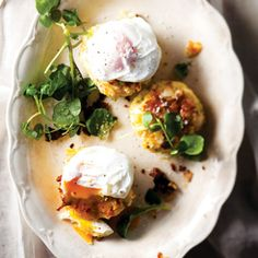 Haddock fish cakes with poached eggs - Good for protein Haddock Fish Cakes, Millefeuille Recipe, Egg Recipes, Healthy Recipes, Yummy Recipes, Strawberry Ice Cream Sandwich, Good Food, Yummy Food, Kitchens