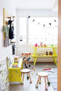 Muotoilijapari pisti kerrostalokodin kokonaan uusiksi – tällainen siitä tuli : lastenhuone, lastenhuoneen sisustus, kekseliäät ratkaisut lastenhuoneeseen, moderni lastenhuone, tyylikäs lastenhuone, scandinavian living, children's bedroom, finnish design