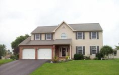 David Lowry with Berkshire Hathaway Homesale Realty: 394 SQUIRE LANE, LITITZ, PA 17543 | homesale.com | MLS ID 238239