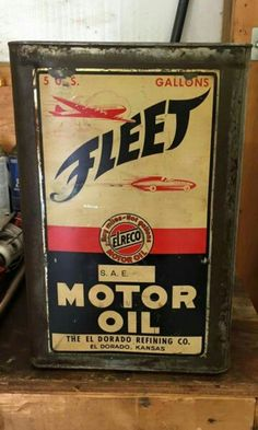 Fleet 5 gallon Motor Oil Can Old Gas Pumps, Vintage Gas Pumps, Vintage Oil Cans, Vintage Tins, Castrol Oil, Pompe A Essence, Old Gas Stations, Vintage Motorcycles, Oil And Gas