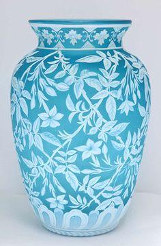 blue-cameo-glass-vase.jpg (350×533)