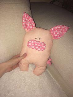 Handmade sewing pig #sewingpig #sewingtoys #handmade #pigtoys #pigpillow
