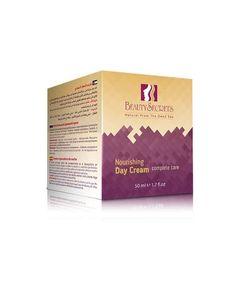 Crema hranitoare de zi complere care Beauty Secrets .  Dezechilibrul raportului dintre colagenul solubil și insolubil este factorul principal în spatele îmbătrânirii.Nutriția zahărului simplu, precum utilizarea avocadinei și a mineralelor din Marea Moartă vă va oferi pielii o nutriție echilibrată pe care o doriți. Beauty Secrets, The Secret, Cream, Day, Cover, Books, Creme Caramel, Libros, Book