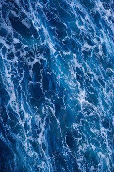ivvvoo:  The Sea byHans J. Hansen
