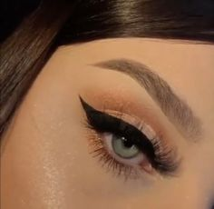 Make up Falling Hair? Makeup Eye Looks, Cute Makeup, Glam Makeup, Skin Makeup, Makeup Inspo, Eyeshadow Makeup, Makeup Art, Makeup Inspiration, Beauty Makeup