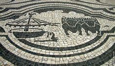 Calcada de Portuguesa at Avenida dos Aliados in Porto, Portugal - photo by Carlos Romao / A Cidade Surpreendente blog (5/12/05);  In 2005, a renovation of this park-like area created a completely paved area.  ...I don't know whether this design was saved or removed...