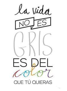 ¡buenos días! Aunque llueva, la vida no es gris, es del color que tú quieras #FelizMartes