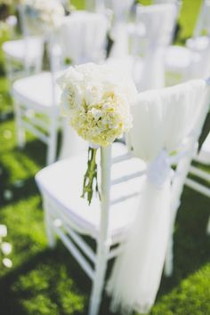 Tiffany chair decoration for weddings Photo by Cherry May Ward Wooden Dining Chairs, Dining Chair Set, Chiavari Chairs Wedding, Stylist Chair, Tiffany Chair, World Market Dining Chairs, Wedding Chair Decorations, Tiffany Wedding, Wing Chair