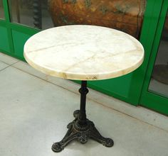 Tavolino da bistrot piano in finto marmo diametro 60 cm gamba ghisa