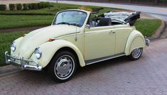 My good pal Chris Vallone of Classic VW Bugs and I have had a long conversations about proper sound deadening for a vintage Volkswagen. Convertible, Volkswagen, Vw Cabrio, Fiat Cars, Best Classic Cars, Vw Beetles, New Tricks, Cool Cars, Dream Cars