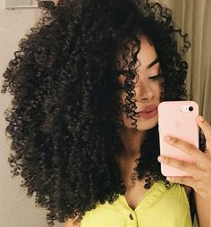 Pin by Isabella on \\Curly hair// in 2018 Long Curly Hair, Big Hair, Curly Afro, Love Hair, Gorgeous Hair, Curled Hairstyles, Pretty Hairstyles, Coiffure Hair, Natural Hair Styles