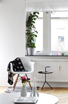 Via NordicDays.nl | Pia Wallen | White | HAY | Eames Chair