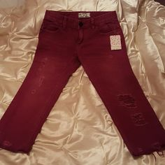 Free People cranberry capris(distressed)NWT 25 Spring/Summer break essential, beautiful deep red color. Size 25 Free People Jeans Ankle & Cropped