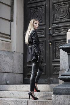 Blond Rivets / Kira Kosonen