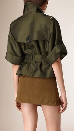 Shop our selection of women's jackets at Burberry, from the lambskin biker to quilted jackets. Dress Shirts For Women, Clothes For Women, New Years Eve Outfits, Best Wear, Winter Coats Women, Active Wear For Women, Japanese Fashion, Trench Coats, Military Fashion