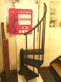 Muestra de escalera metálica Tecno Enesca.es