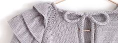 Learn how to Make this Knitted Ruffles Baby Sweater. FREE Step by Step Tutorial & Pattern. Baby Sweater Knitting Pattern, Knit Headband Pattern, Knitted Headband, Baby Knitting Patterns, Knit Baby Dress, Knitting For Kids, Baby Sweaters, Crochet Baby, Ruffles